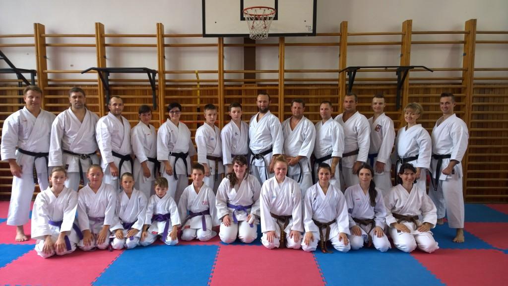 účastníci semináře kata v Českých Budějovicích